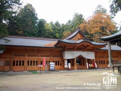神社の拝殿