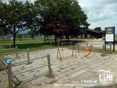 自転車駐車場
