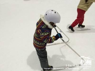 これがスケートマスター!初心者用練習補助具です