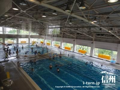スカップ軽井沢|カーリング専用アイスリンクが夏はプールに大変身|軽井沢町発地
