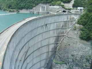 奈川渡ダムと梓川テプコ館|松本市