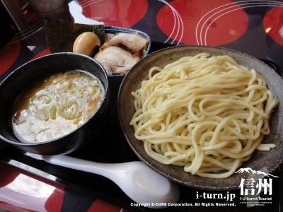 三ツ矢堂製麺|つけめんをメインにした極太つけめん屋|松本市島立