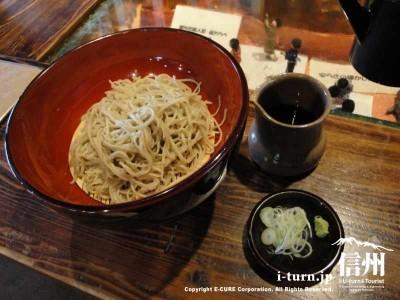手打百芸 おお西|つなぎ粉は一切使わない、全て10割生粉打ち|上田市中央
