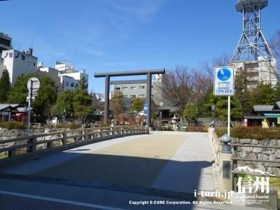 さいわいばし|映画ドラマ撮影に多様される女鳥羽川にかかる橋|松本市大手