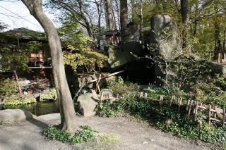 農場の奥に茶屋
