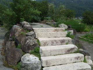 ハーブ園 なぞの階段