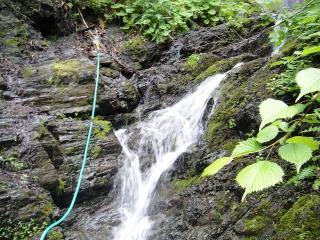 滝がありますが、飲み水としては難しいらしいです