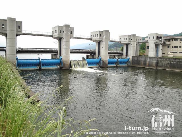 釜口水門|天竜川の始まり諏訪湖...