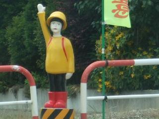 池田町 横断歩道にいる小学生