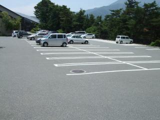 ファインビュー室山の駐車場