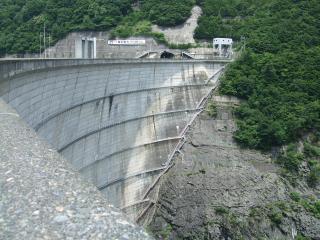 奈川渡ダム アーチ