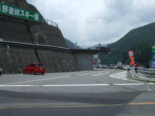 奈川渡ダム 駐車場