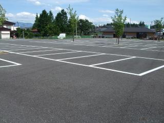 碌山美術館 駐車場