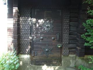 クズベリーハウスのドア