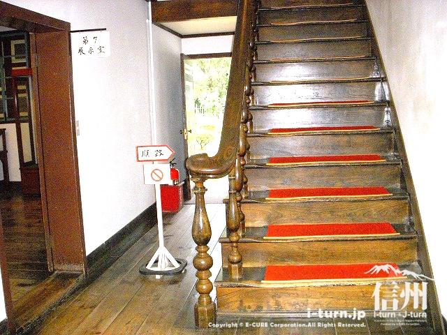 旧開智学校の2階への階段