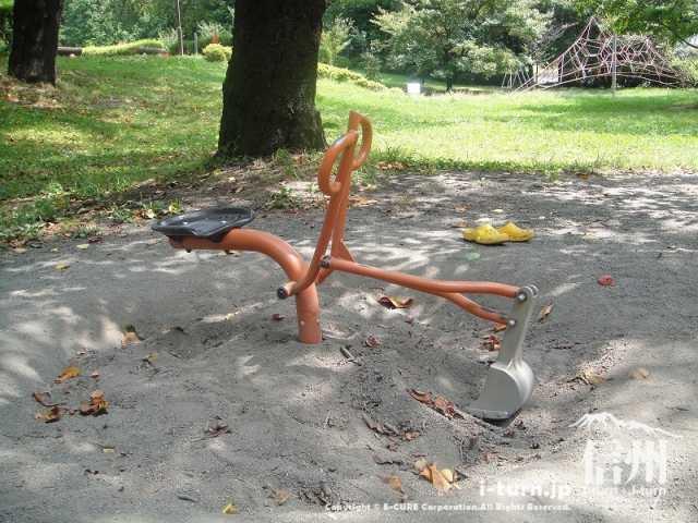 伊那公園 ショベルカー風遊具