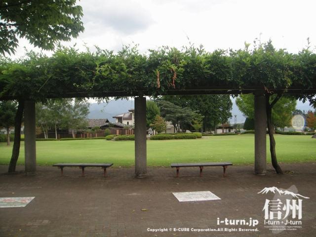 宮田村ふれあい広場 休憩スペース