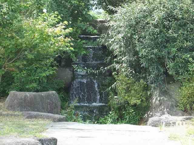 堀金中央公園 滝