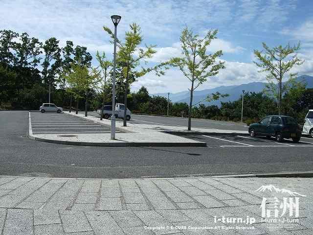 クラフトパーク 駐車場