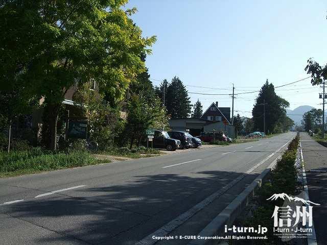 あづみ野の朝の前の道2