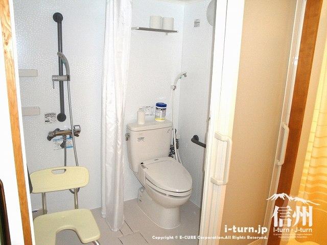 藤森病院 入院個室のトイレ・シャワー室