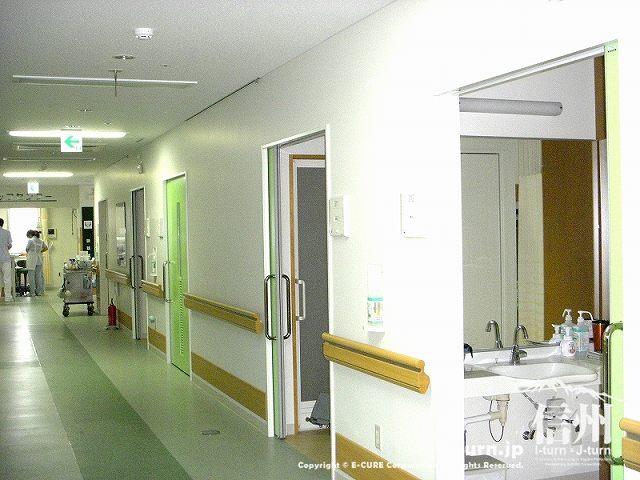 藤森病院 3F通路