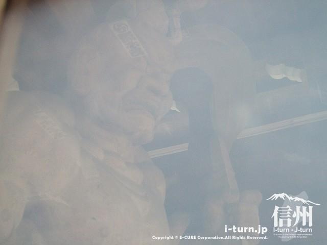 東光寺 右の金剛力士像
