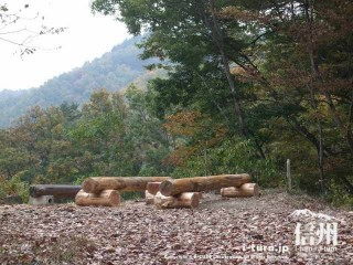 旧国鉄篠ノ井線廃線敷 漆久保トンネル付近の休憩場所