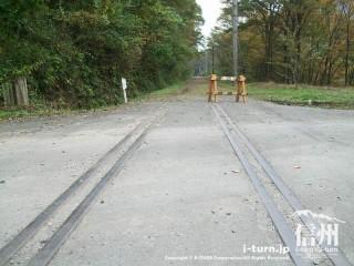 旧国鉄篠ノ井線廃線敷 線路がそのまま残っている