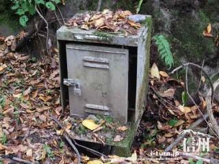 旧国鉄篠ノ井線廃線敷 何かのボックス