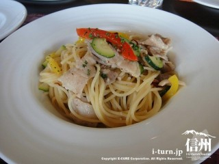 豚肉と彩り野菜のスパゲッティ