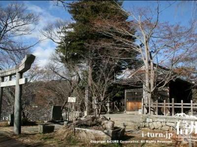 新城(盛信)神社の外観
