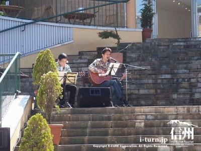 旧軽銀座チャーチストリート ギター演奏