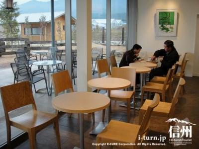 店内喫茶スペース