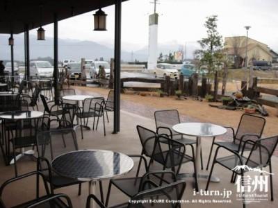暖かい日はオープンカフェが気持ち良い