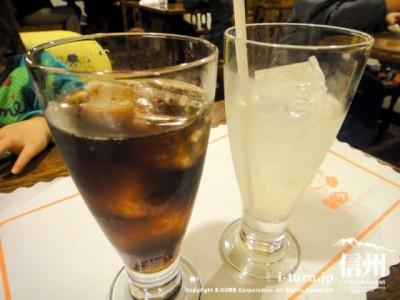 コーラとグレープフルーツジュース