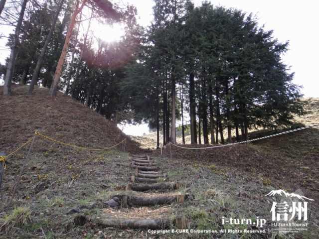 斜面を登る階段