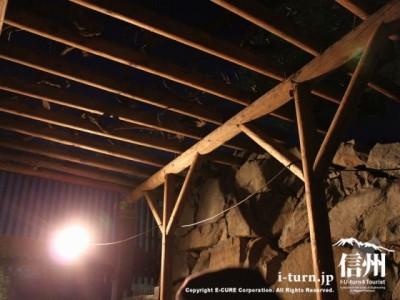 ライトと天井