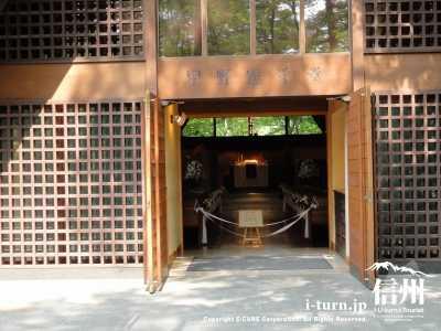 教会正面玄関