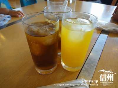 ウーロン茶とオレンジ