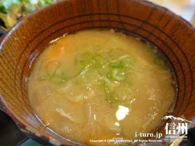 名立浜膳波の味噌汁