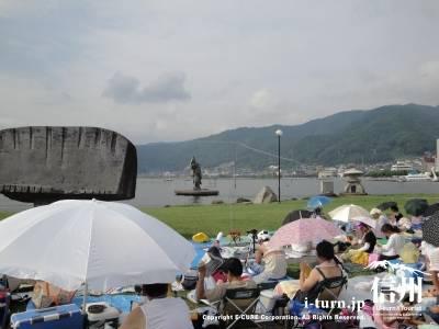 諏訪湖は穏やか