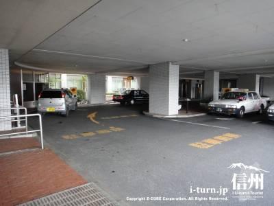 篠ノ井総合病院のロータリーとタクシー