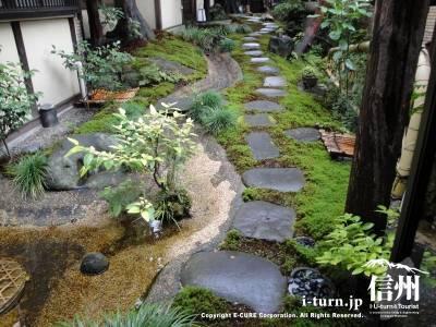 苔泉亭「萩月庵」千ひろの日本庭園苔泉亭