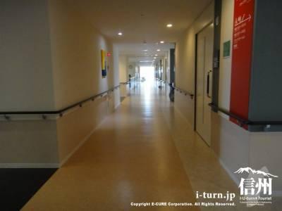 病室の廊下1