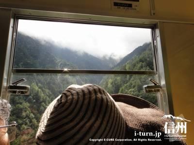 窓際は景色が良さそうです