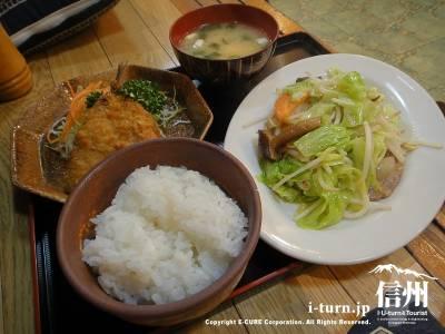 アジフライと野菜いため定食
