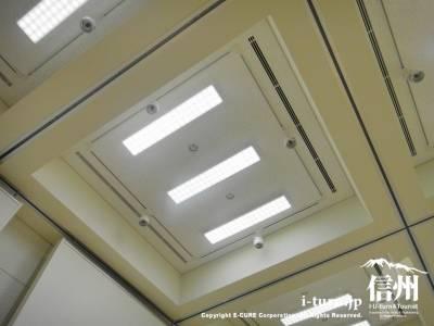 可動式パネルに対応した天井