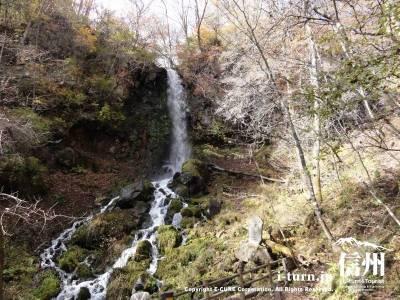 千ケ滝の滝壷(紅葉)Ⅰ秋の滝全景
