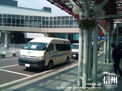 新千歳空港のターミナル前